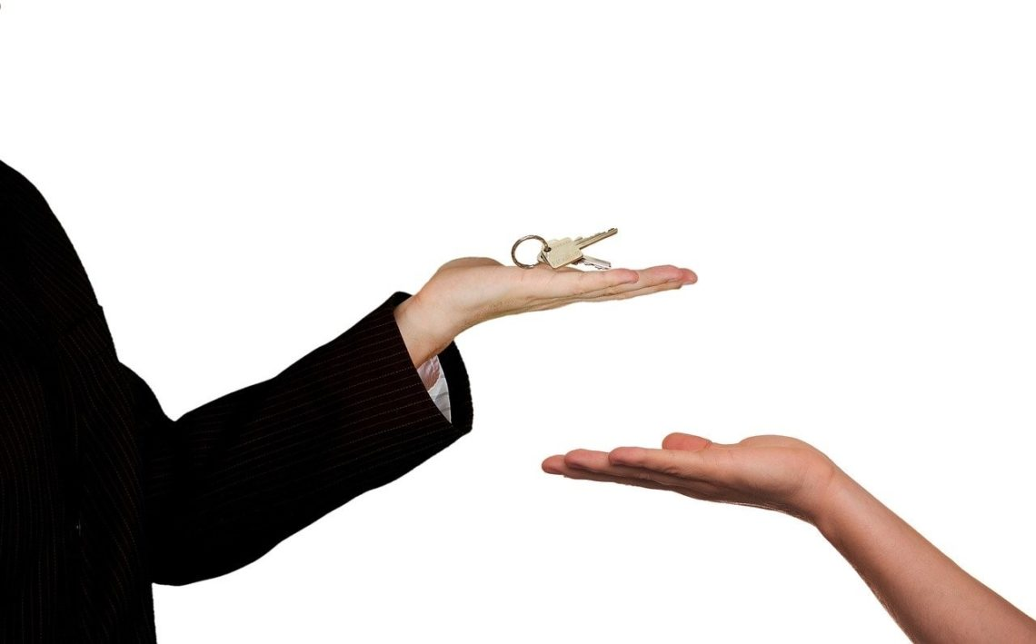 Should You Hire Realtors in Norman OK For The Big Move